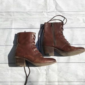 Frye vintage Courtney lace up boots